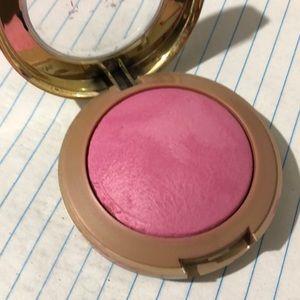 🆕Milani Baked Powder Delizioso Pink Blush
